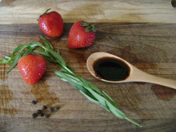Ingredients for Strawberry Tarragon Salad