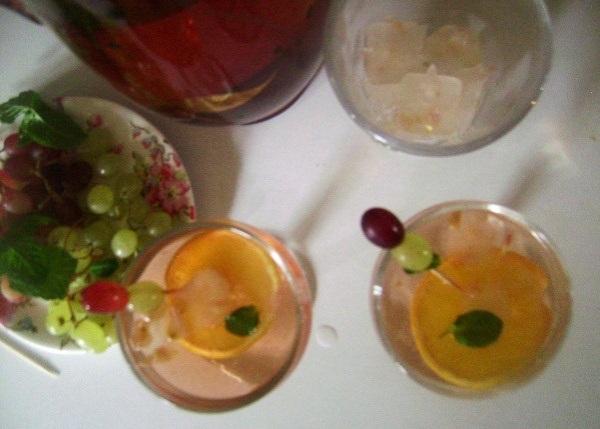 Retro Rosy Rosé Punch 2