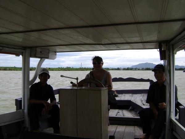 Vinh Hung Resort Boat2